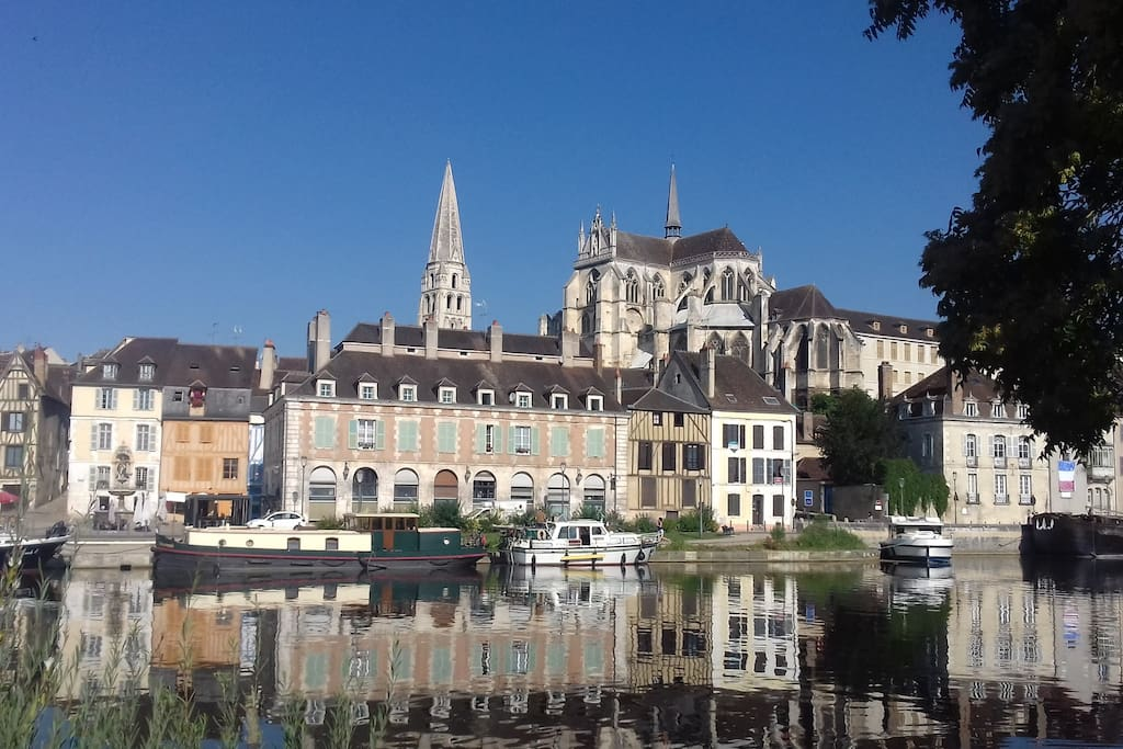 Auxerre: L'abbaye St Germain et les quais