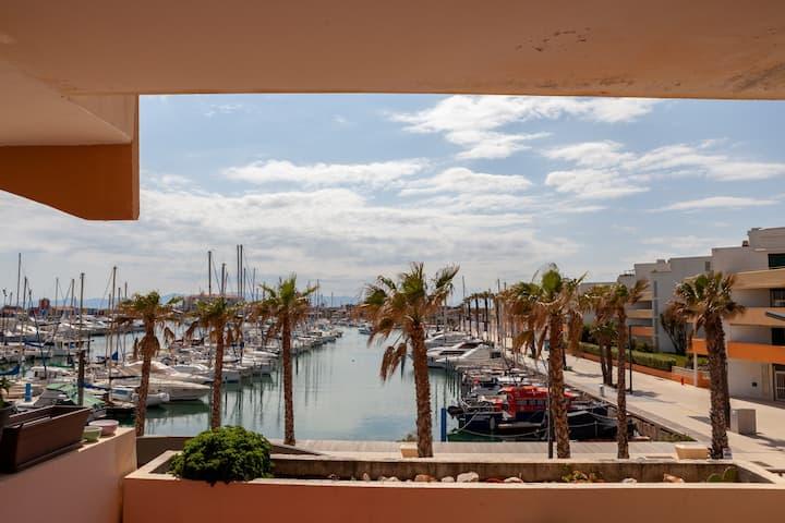 Appartement avec terrasse, au bord de la plage !