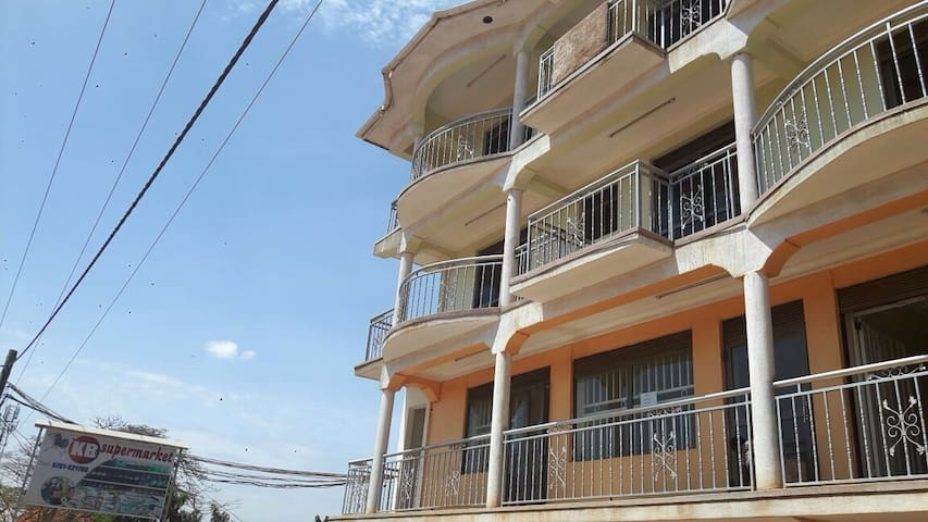 Two bedroom apartment(Nalya) - Kampala - Apartment