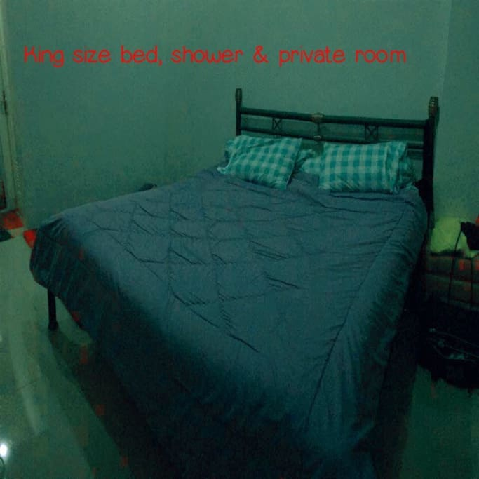Private room, king size bed, shower-toilet, wifi and enough space.