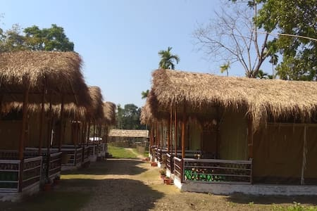 Encamp Adventures - Kaziranga Luxury Camp