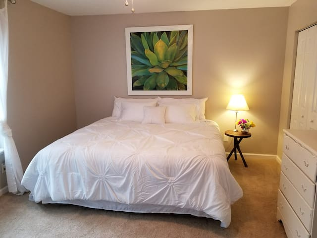 Charming Townhouse, 5 min from Parris Island