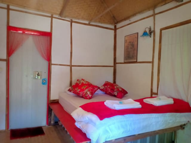 Redbit Holestay : Warm and friendly bungalow, PAI