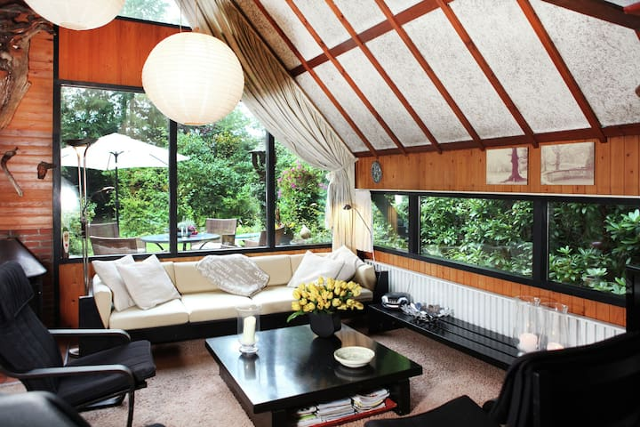Artistiek vakantiehuis in Eersel aan de rand van het bos