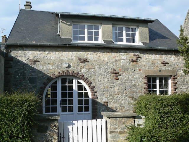 Petite maison de pêcheur - Montmartin-sur-Mer - House