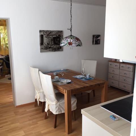 Wohlfühl Wohnung bei München - Pliening - Apartment