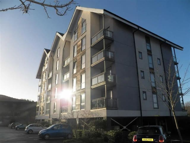 Swansea 1 Bed Modern Apartment
