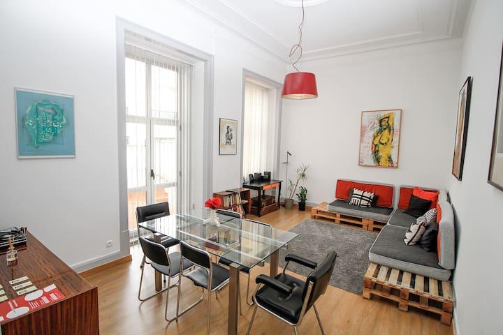 pens o rosinha art gallery house appartements louer lisbonne district de lisbonne portugal. Black Bedroom Furniture Sets. Home Design Ideas