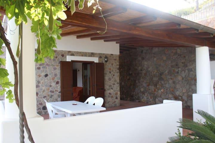 La Palma ab 599 - Canneto - Villa