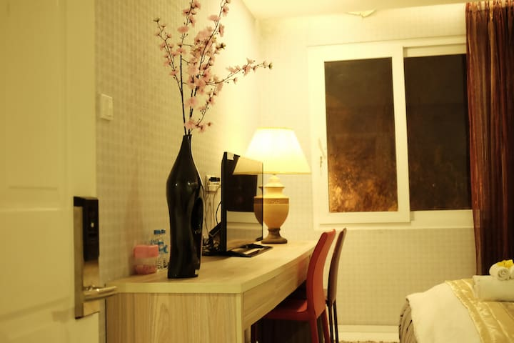 GoldenA ★ 201 Special Room In Central District 7