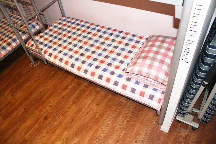 4 women dormitory room(2 people)