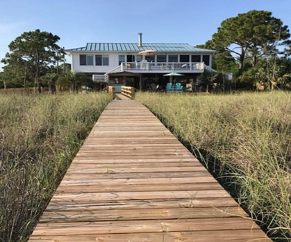 MoonShadow-Direct OceanFront-Private&Pet Friendly