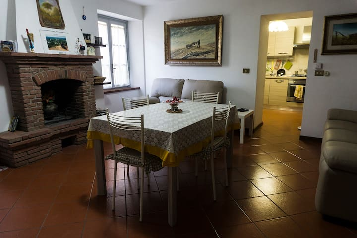 Intera Casa a Nocchi