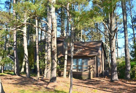 "Charming Island Home ""Sandy Pines"""