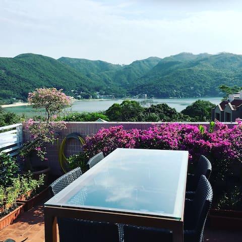 Beautiful house, beach views and 5 dogs & Gin! - Hong Kong - Dům
