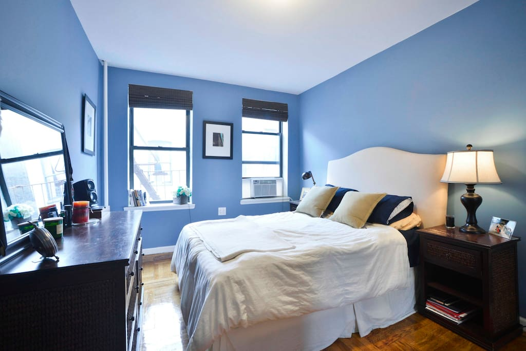 Spacious & comfortable bedroom