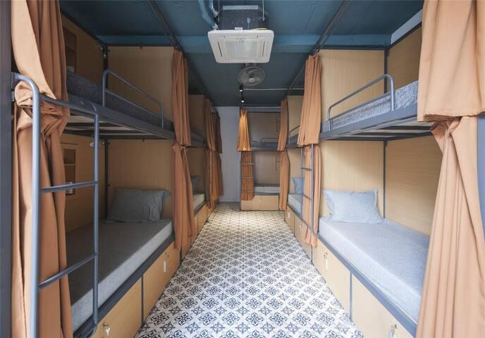 Satori Hostel 1 min walk to Hoan Kiem Lake