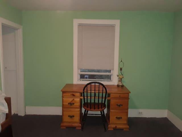 NJ Comfy Room1