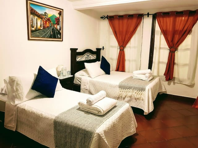 ✪ 5-stars Private Bedroom ✪ / Free Parking