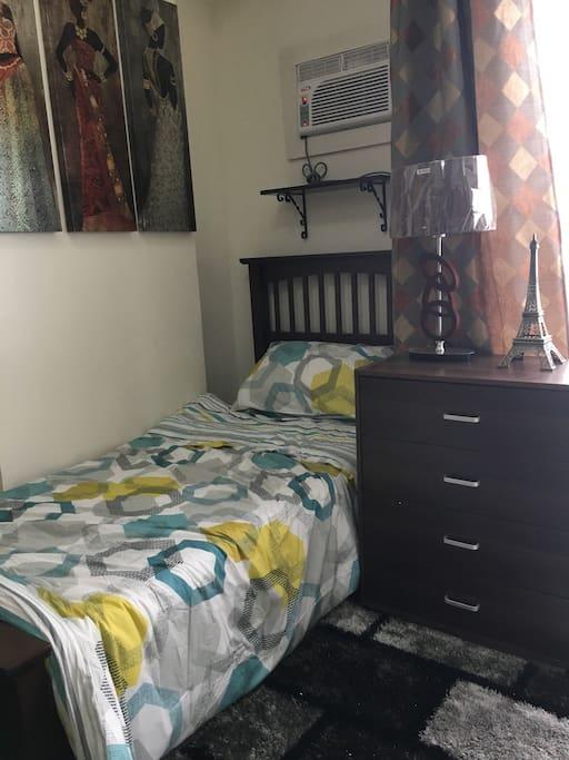 Cozy single bed