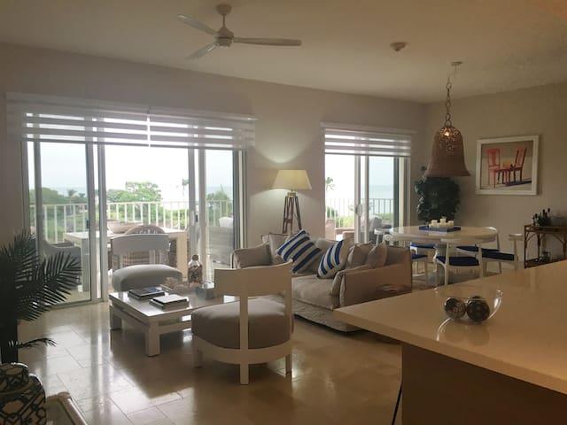 Buenaventura Oceanview Beach Apartment Getaway