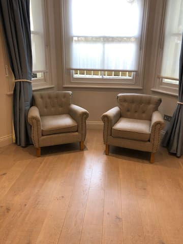Classic Apartment near Westfield/Kensington Olympia