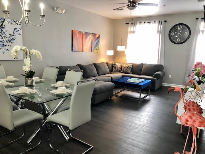 (166) NEW Ultra Modern & Super clean 3 full suites