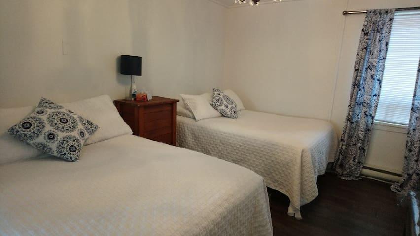Superbe Suite En plein centre village Montebello