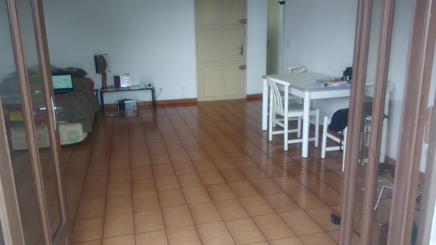 Loue Appart meublé 70M² St louis