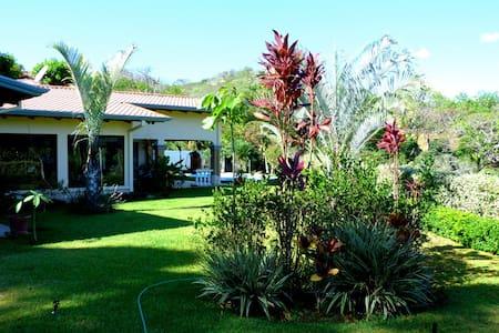 Casa Mandalay - Atenas - Villa