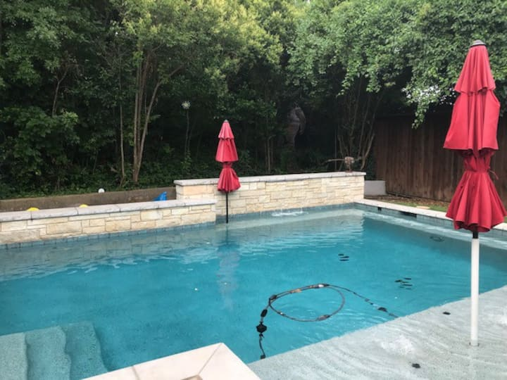 West Side Luxury close to everything with a pool