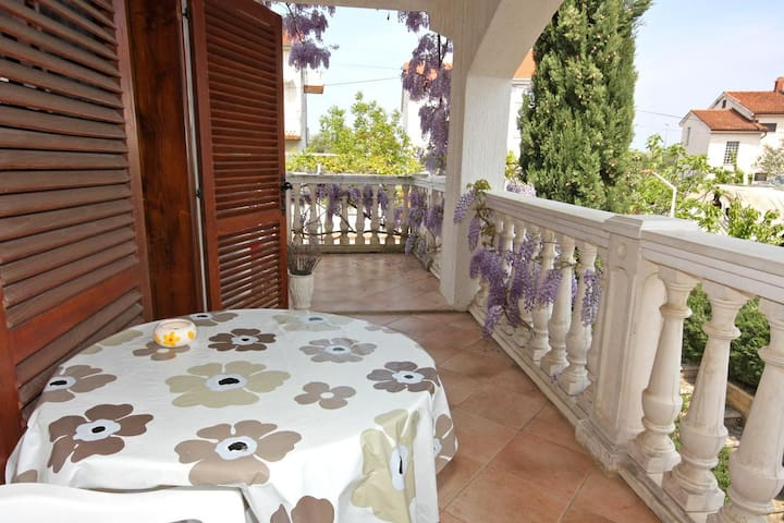 One bedroom apartment with terrace Porat, Krk (A-5322-b)