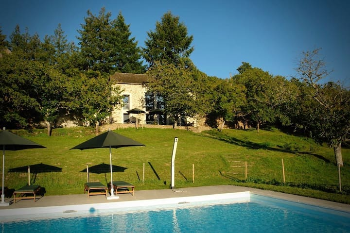 La Maleyrie - holiday house and large pool