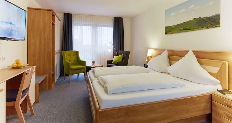 Weinquartier Doppelzimmer Inklusiv Frühstück - Veldenz - Bed & Breakfast