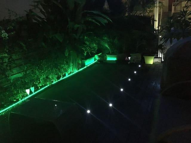 Charmant logement avec jardin et proche du lagon