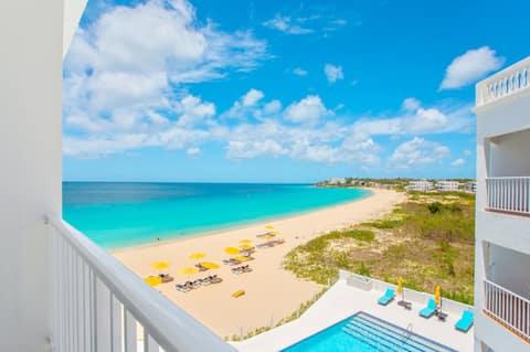 Turtles Nest Beach Resort, condominio estudio con vista a la playa