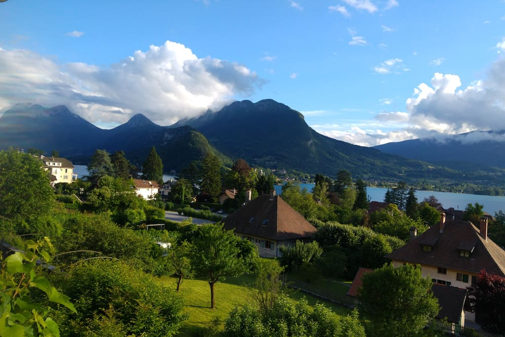 Gorgeous views of Talloires bay, Lake Annecy and Massif des Bauges