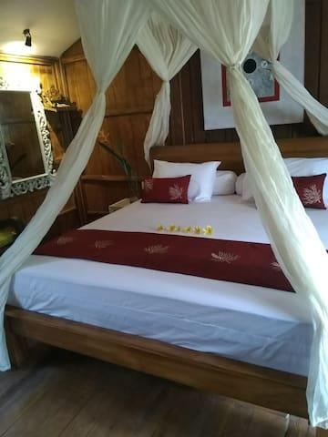 1 Double Bed 180 cm x 200 cm