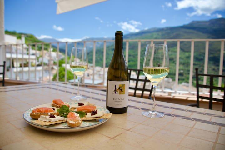 Güéjar Sierra Home with a  Spectacular View