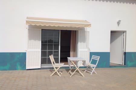 Top 20 Ferienwohnungen in Praia da Marinha, Ferienhäuser ...