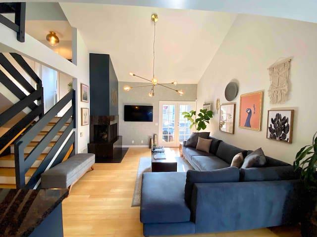 Designer Loft / Work & Live Space