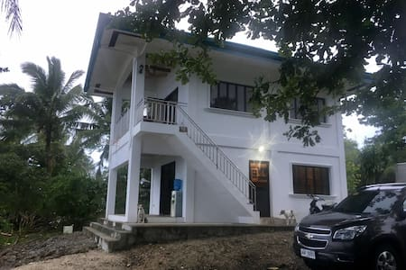 Beautiful, new, and private beach villa in Marabut