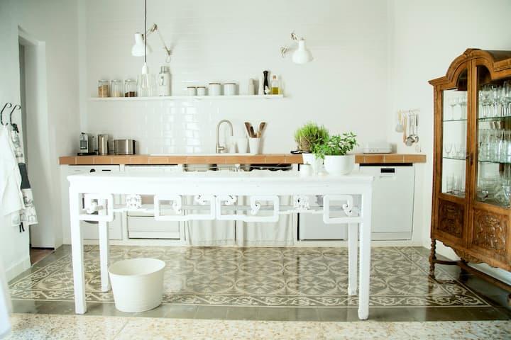 UNA CASA EN MALLORCA- An Interior Designers' House