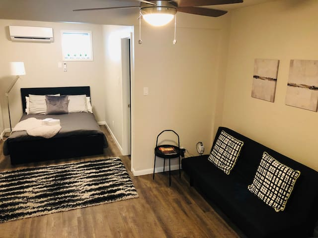 Stay at Zilker Place!