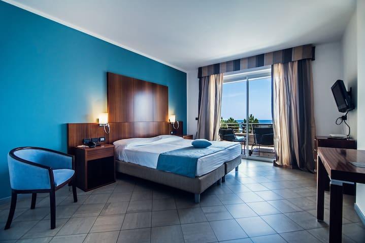 Aregai Marina Hotel e Residence - Suite vista mare