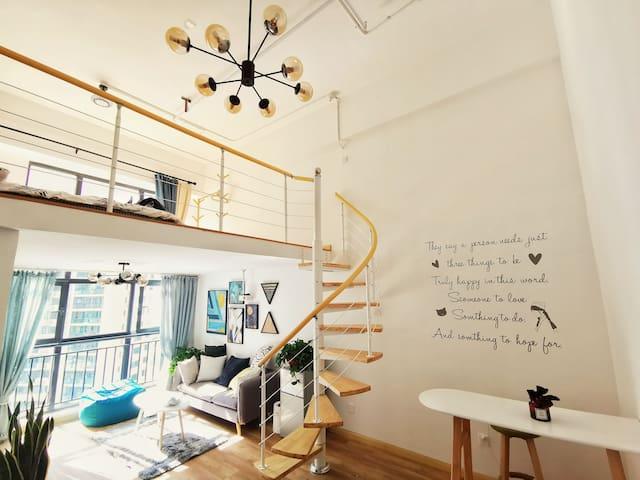 【CHERRY•美宿】安心入住LOFT复式公寓!近大融城、CBD等繁华地段!临近M3号地铁!
