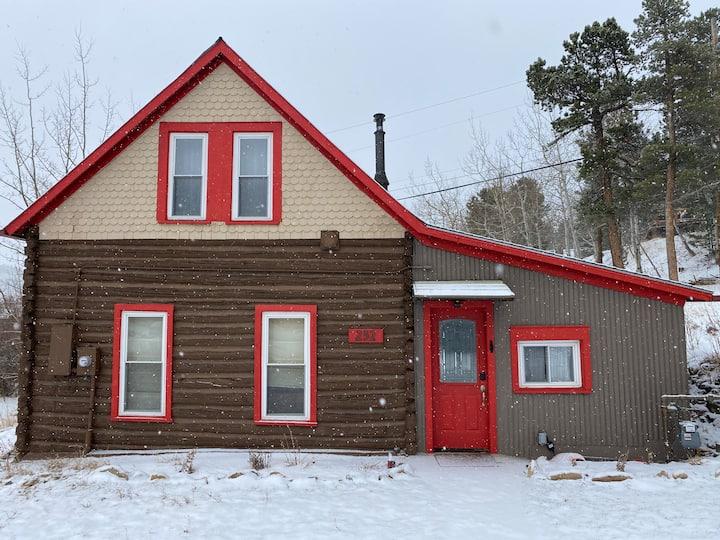 Cozy Mountain Log Cabin in Nederland Colorado