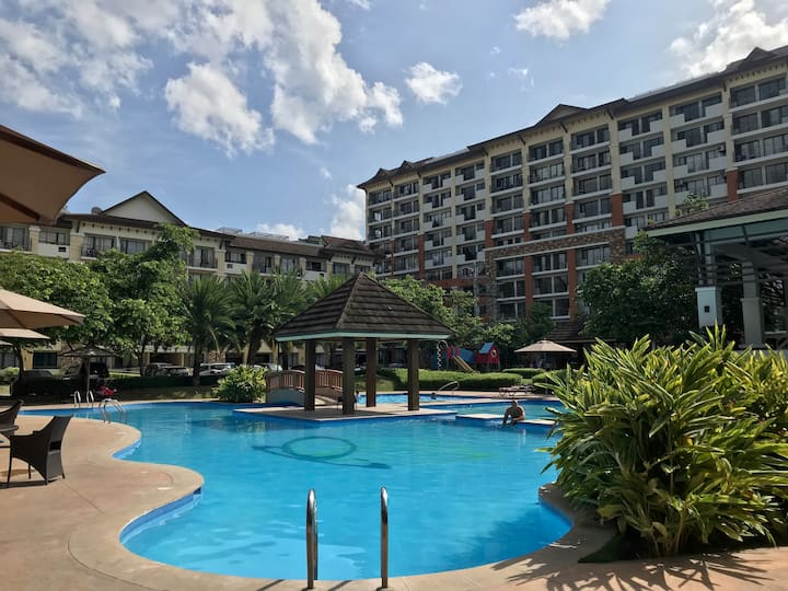 "Resort Condo ""One Oasis"" Cebu City"