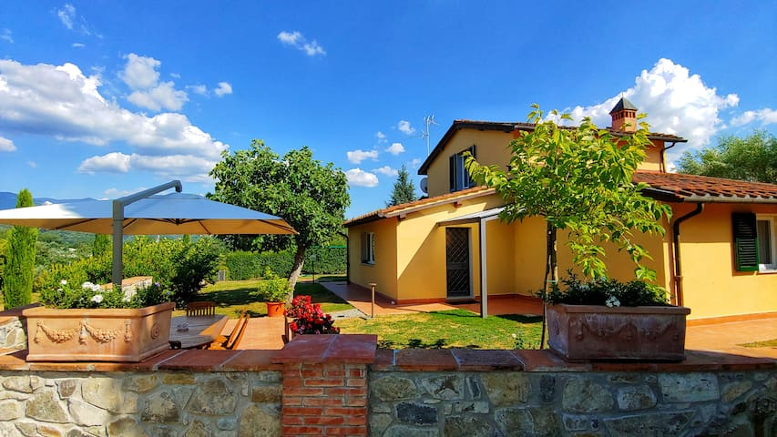 VILLA with Pool - 3 Bedrooms (each with bathroom)