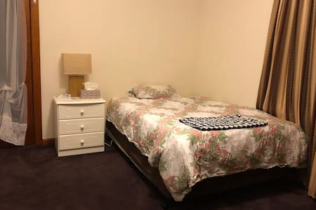 Peaceful Room near Melb Airport & Albion Station